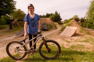 Bike_Check_Dirtbiker_Thomas_Genon_2015